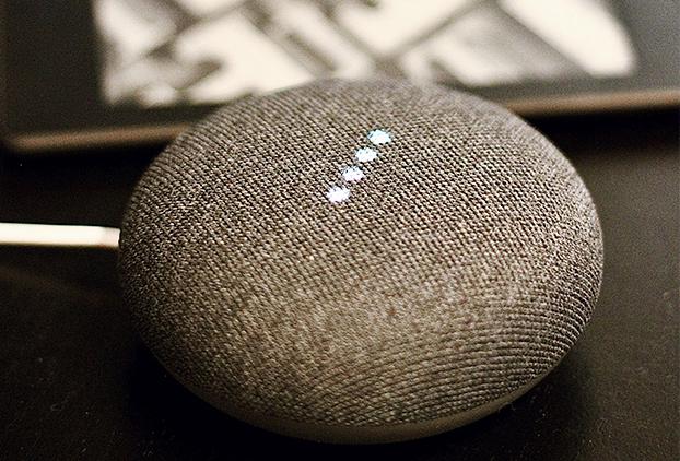 Búsqueda por voz en dispositivos inteligentes